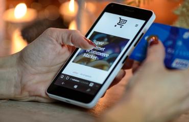 Acquisto online con smartphone