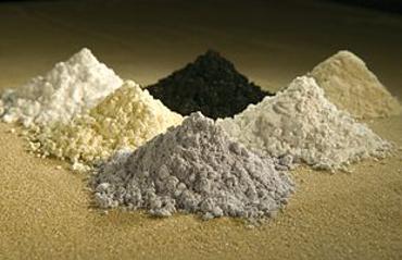 Polvere di minerali definiti terre rare perché molto preziosi